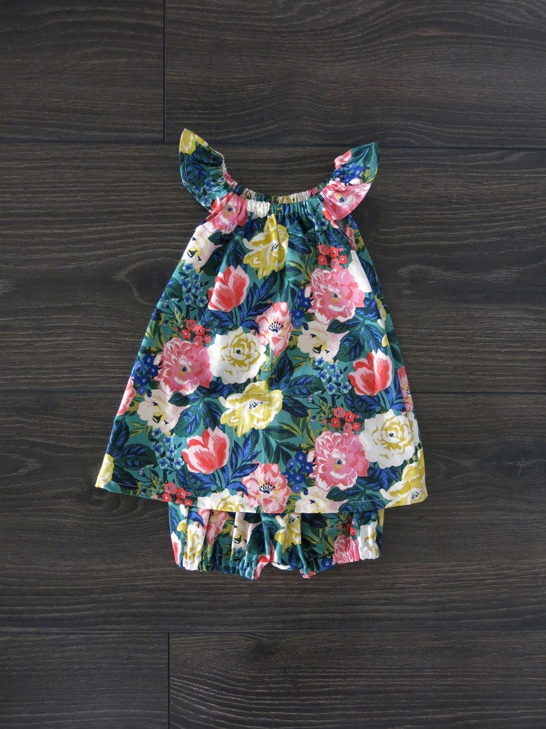 Organic Baby Bloomers  Floral bubble bloomers  Baby girl clothes  Baby girl   organic baby clothes  baby girl shorts  girl shorts