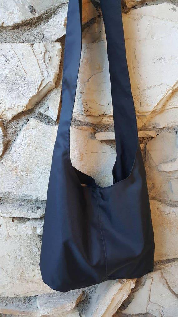 Sac besace en nylon noir. Sacs à main en nylon, sac en toile nylon, boho noir sac, sac bandoulière, sac en nylon noir, reste noir sac, sac résistant à