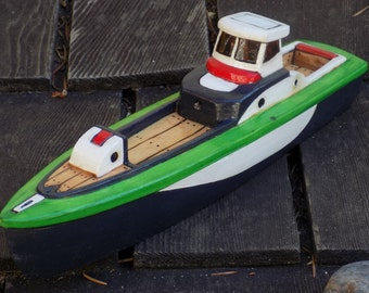 SMUGGLER wooden toy boat/Black and Green