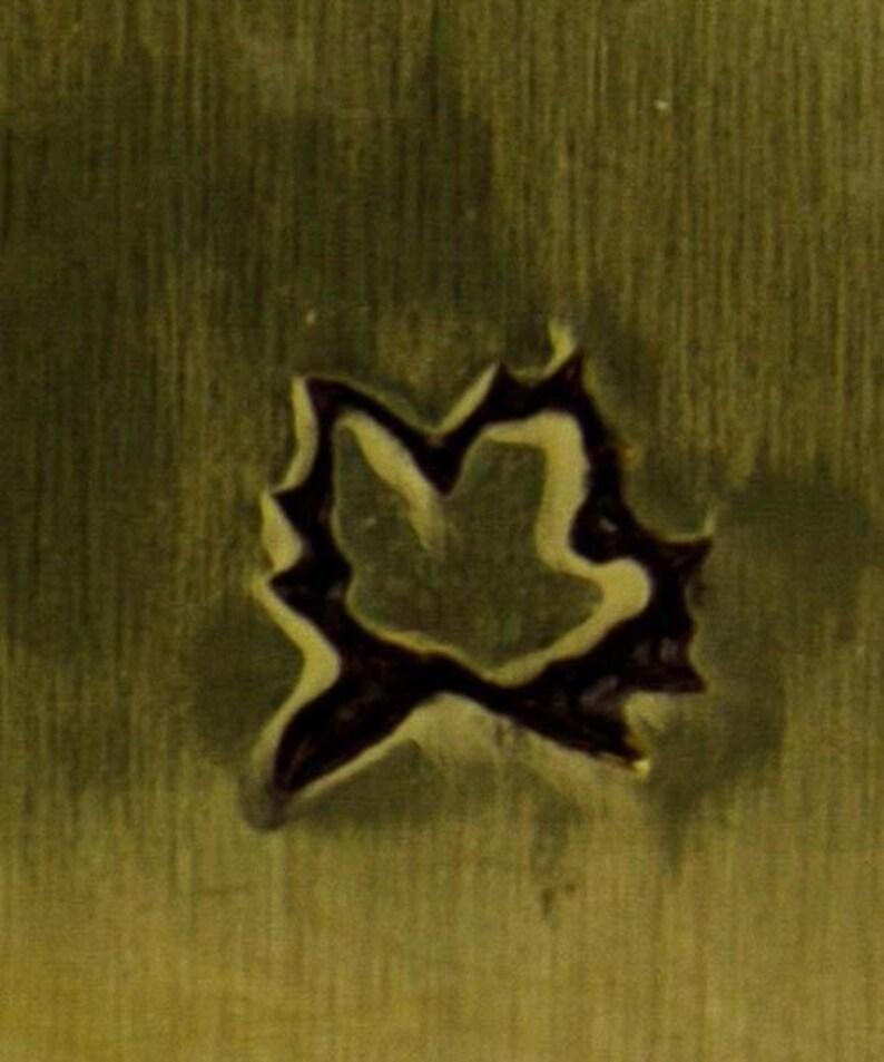 Design Stamp-Maple Leaf **CLOSEOUT** PN5254