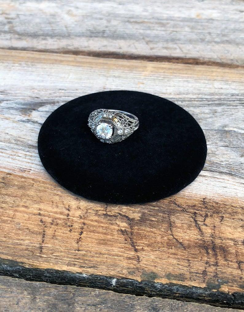 Black Value Velvet Round Display Pad 3/'/' DIS1315 Pkg of 3