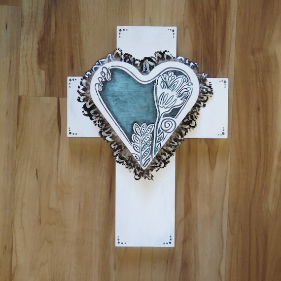 ONE ONLY Crucifix 'Frida Flower' Emerald Heart with feathers Wall Art, White black Boho Design,  Timber