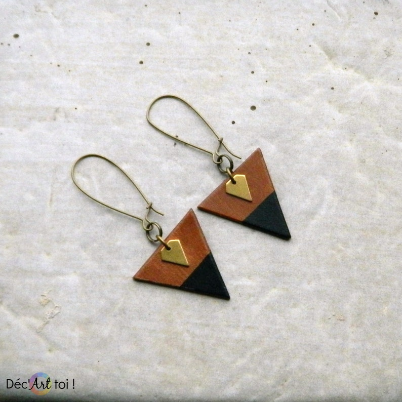 Hand-painted triangle wood Earrings Minimalist and geometric jewelry small brass diamond Brown wood golden and black