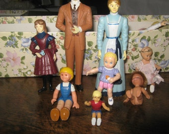 Old Doll House Furniture.