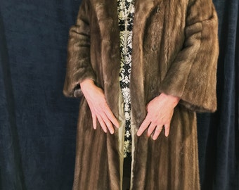 4b8859823c57 Vintage John Tauben EMBA 1970 s Natural Brown Mink Coat