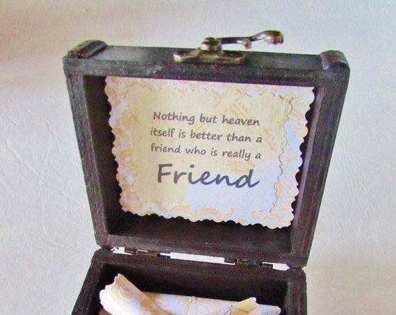Friend Christmas Gift - Friend Gift Idea - Friend Birthday - Friendship Quotes in a Wood Box - Best Friend Gift - BFF Gift - Besties