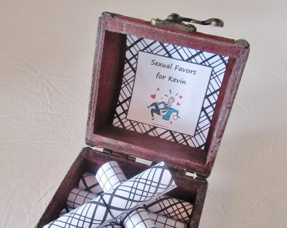 Men Valentine Gift Idea, Sexual Favors Scroll Box, Valentine Gift for Him, Boyfriend Valentine, Sexy Valentine Gift, Coupon Book, Husband