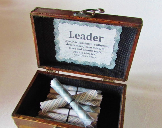 Boss Scroll Box, Leadership Quotes in a Wood Box, Boss Gift Idea, Boss Day Gift, Boss Birthday Gift, Motivational Gift