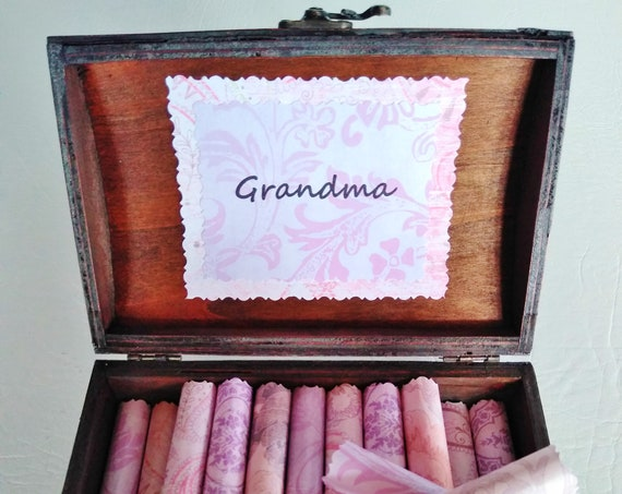 Grandma Scroll Box - sweet quotes about grandmas in a beautiful chest - Grandma Birthday Gift - Grandma Christmas  - Meemaw Gift - Nana Gift