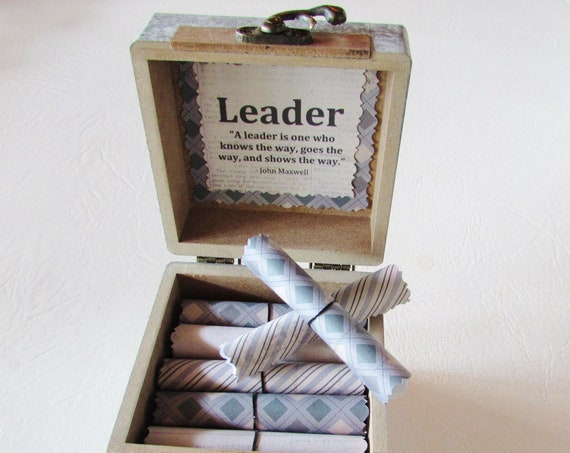 Leadership Quote Box, Leadership Quote Scrolls in a Wood Box, Boss Gift Idea, Boss Day Gift, Boss Birthday Gift, Coworker Gift
