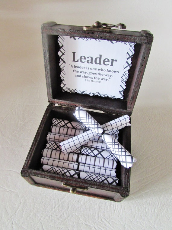 Motivational Scroll Box - Motivational Leadership Quotes in a Wood Box