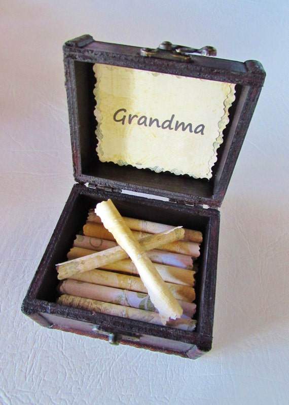 Grandma Gift, Grandma Gift Idea, Personalized Grandma, Grandma Scroll Box, Grandma Necklace, Grandma Jewelry, Grandma Quote, Birthday,