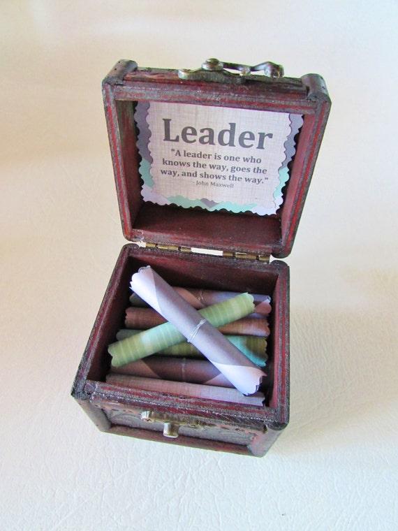 Boss Gift, Best Boss Gift, Leadership Gift, Motivational Gift, Leadership Scroll Box, Leadership Quotes in Wood Box, Best Boss, Boss Card