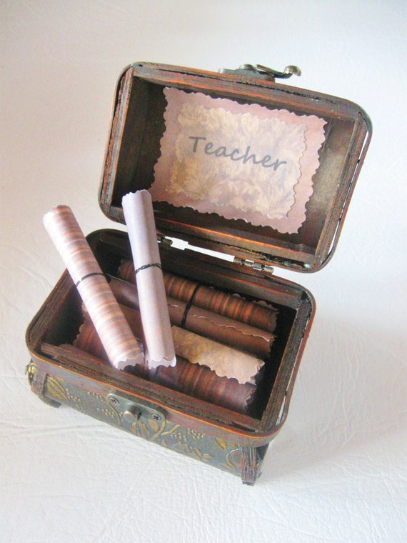 Teacher Appreciation Scroll Box! Treasure Chest of 20 Teacher Appreciation Quotes! Personalized & meaningful teacher gift for end of year!