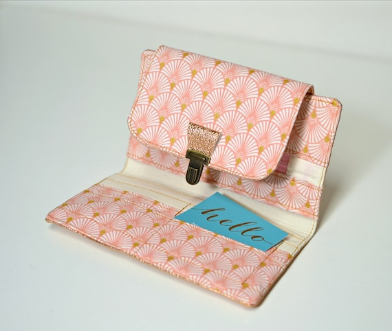 Small zipped wallet and cards in natural cork and Liberty Mauvey pink accessories for women in vegetable and vegan cork leather