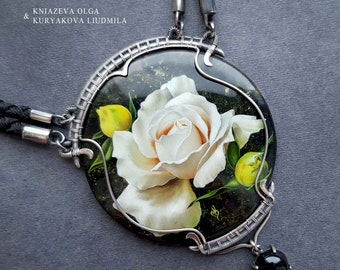 Art Nouveau sterling silver necklace with lacquer miniature white rose on diopside stone