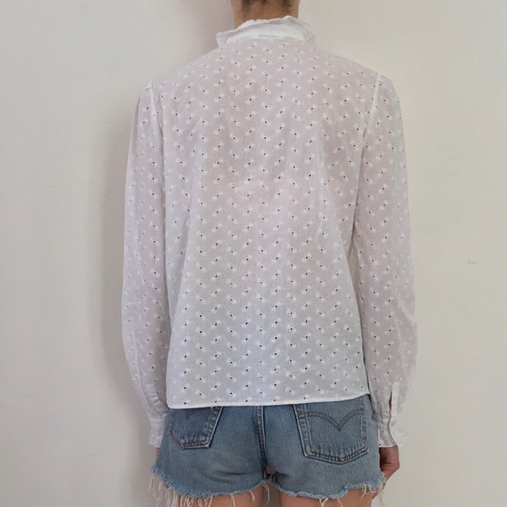 80s White Cotton Lace Eyelet Button Up Blouse Wit… - image 3