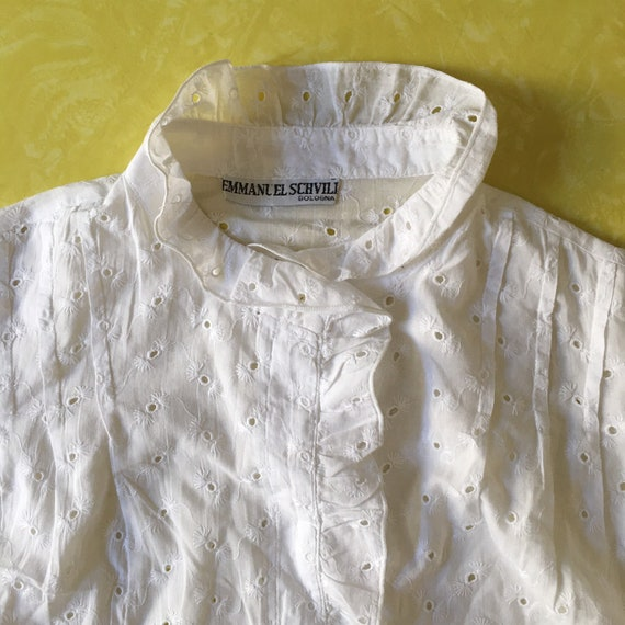 80s White Cotton Lace Eyelet Button Up Blouse Wit… - image 6