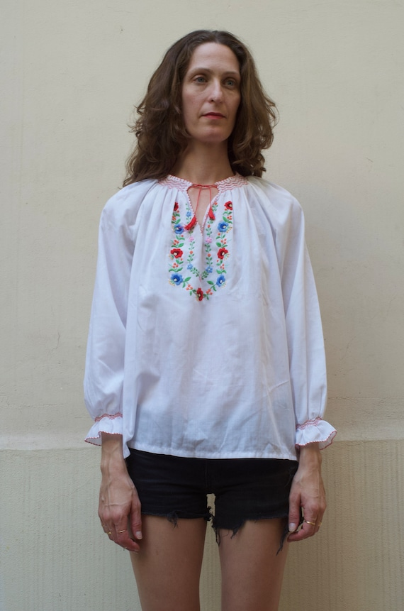 70's hand embroidered floral peasant blouse