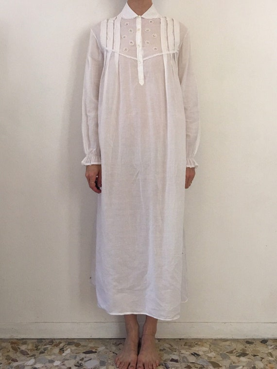 50s White Cotton Nightgown With Sweet Embroidered