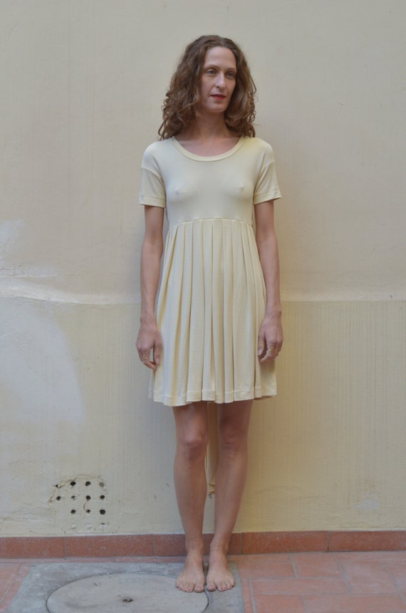 90s neutral heavy jersey baby doll pleated mini dr