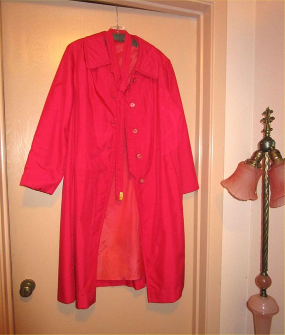 POSH Hot Pink Vintage Light Trench Coat c. 1950s-1