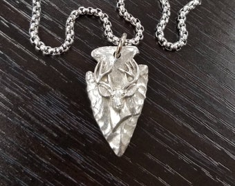 Little D Designs Arrowhead Necklace Buck Deer Head Necklace Hunting Necklace for Men Hunting Gifts Bowhunter Deer Antler Jewelry