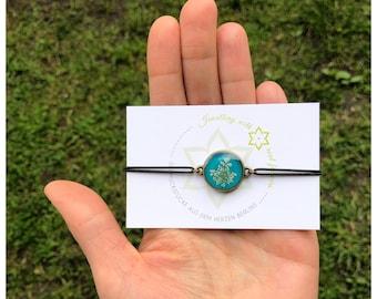 wild carrot   elastic bracelet   real flowers   turquoise   Gift idea   Nature lovers:inside