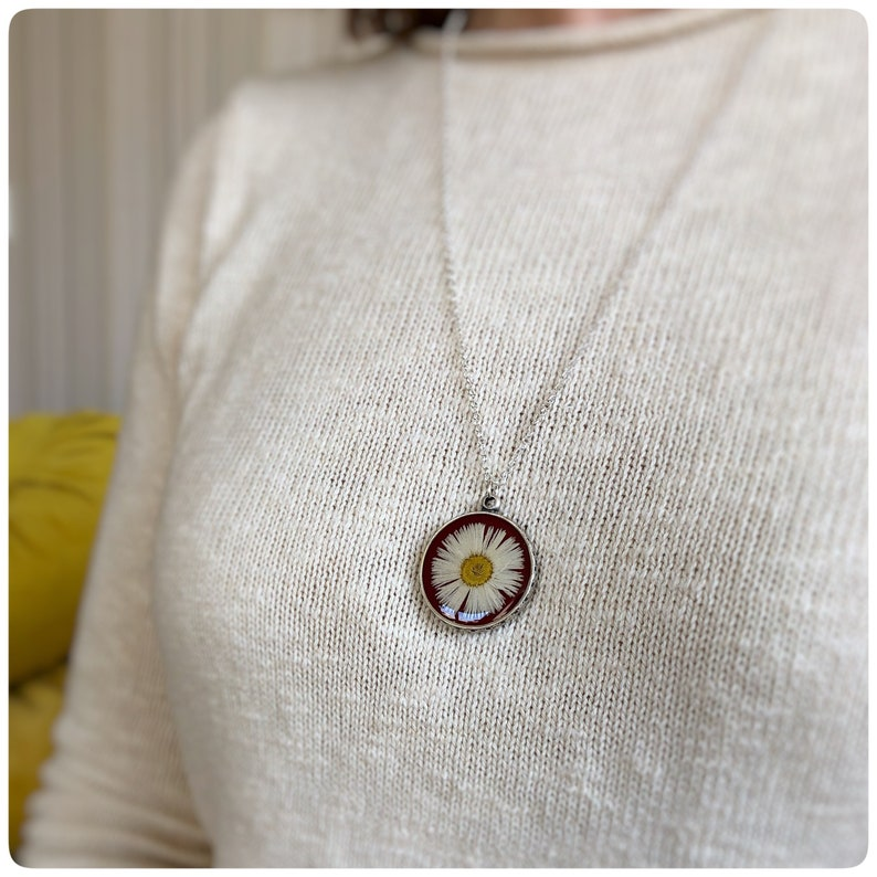 Antique look around Thousand-beautiful grey daisy necklace silver-coloured