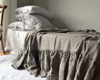 Dark Natural Linen Bed Cover with ruffle. Linen Coverlet. Linen Bedspread. Ruffled linen sheet