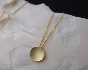 18k gold necklace, matte gold necklace 18k, minimalist solid gold necklace, gold chain minimal, bride 18K necklace, gold disc pendant