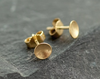 14 ct Gold circle earrings, Gold studs minimalist, 14K circle studs, bridal gift earrings, tiny gold studs 14K, domed circle earrings gold