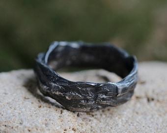 Dark ring men, Bark texture ring, rustic mens ring oxidized, black textured ring, organic ring silver, mens ring, gray plant texture ring