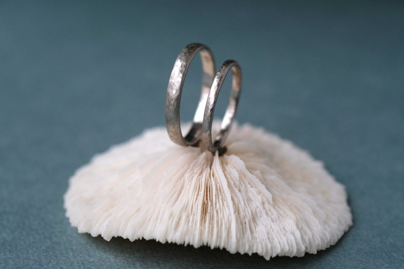 Hammered Wedding rings white-gold set Textured wedding bands image 0