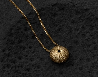Sea urchin gold Necklace, gold Sea urchin jewelry, organic gold, sea shell necklace, beach jewelry, solid gold shell necklace, Ø 13mm