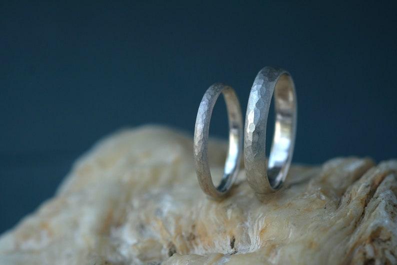 Silver weddingrings set hammered Silver ring set 925 silver image 0