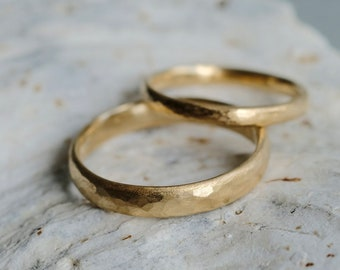 Wedding hammered ring set, 14k Gold Ring set, 18Ct textured Wedding bands, solid gold Rings Bride Groom, rustic textured rings