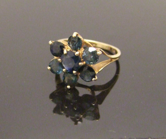 9 Carat hallmarked gold sapphire and diamond ring Size UK L 12 USA 6