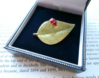 Insect Brooch Ladybird Pin En Tremblant Signed Jewelry Ladybug Gifts 1980s Accessories Green Leaf Enamel Jewellery Mothers Day Womens Gift