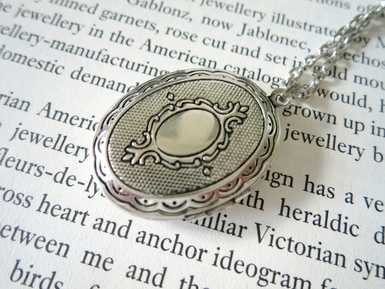 Mourning Locket Black Feather Victorian Style Cabochon Pendant Memorial Keepsake Photo Locket Mothers Day Remembrance Jewelry Angel Gift