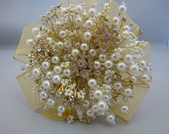 Winter wedding bouquet - ivory and gold Christmas bouquet - brooch bouquet - beaded bouquet - snowflake bouquet - gold snowflake bouquet