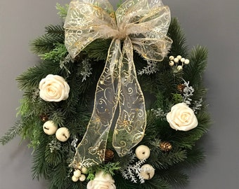 Christmas White Winter Wreath With waxed White Roses Apples, Berries and Cones. Xmas door Wreath. Christmas Decoration