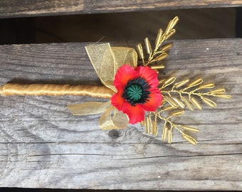 Small poppy corsage with gold leaves and gold bow. Autumn boutonniere.