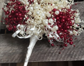 Bubble pearl bridesmaids bouquet in ivory and burgundy redbeads - pearl bouquet - bouquet - beaded bouquet - wedding flowers - bridesmaids