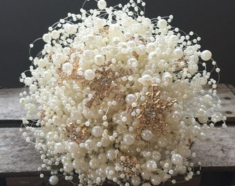 Bubble pearl wedding bouquet with rose gold snowflakes in large and small. Winter wedding bouquet. Brooch bouquet alternative.