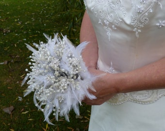 Feather wedding bouquet with crystal flowers and pearls in silver. Brooch bouquet alternative. Crystals. Brides bouquet.