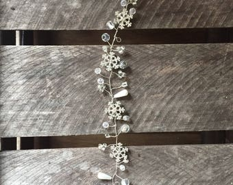 Snowflake bridal hair vine - hair vine, wedding hair vine, silver hair vine, winter brides hair vine, crystal hair vine, pearl hair vine