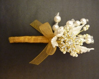 Gold snowflake winter wedding boutonniere - Gooms boutonniere - ushers buttonhole - mother of the bride - gold and ivory wedding boutonniere