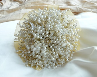 Brides wedding bouquet - ivory and gold Christmas bouquet - brooch bouquet - beaded bouquet - snowflake bouquet - gold snowflake bouquet