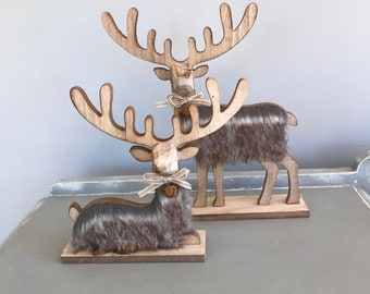 Wooden deer decoration, laying or standing, faux fur and bell. Christmas decoration. Xmas decoration.